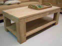 strakke blanke teak salontafel met onderblad