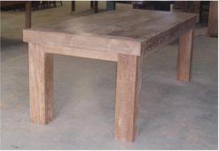 maatwerk teak tafel met een blad 5 cm dik poten 12 x 12 cm