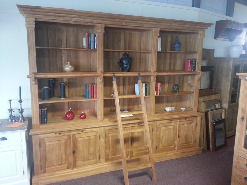 Teak boekenkast met ladder | Teak Koloniaal