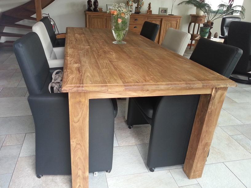 Geborstelde teak tafel teak tafels koopt u bij teak for Teakhouten tafel