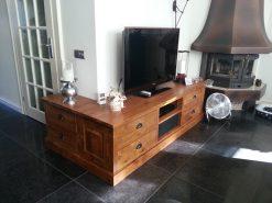 Teak maatwerk tv meubel
