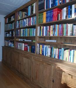 Teak boekenkast op maat